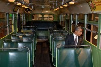 785249_800px-Barack_Obama_in_the_Rosa_Parks_bus